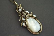 Wire-Wrapped Necklaces & Pendants / Wire-Wrapped Jewellery - The Most Beautiful Necklaces and Pendants All Over the World.