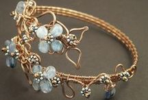 Wire-Wrapped Bracelets & Anklets / Wire-Wrapped Jewellery - The Best of Bracelets and Anklets