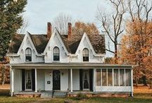 Bohemian House Exterior / The cutest bohemian house exteriors, most likely with ivy or flowers growing up the walls.