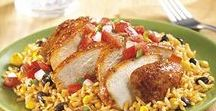 Chicken Recipes / With flavorful combinations and simple prep, these easy chicken recipes make weeknight meal planning a breeze.