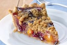Pie Recipes / Pie crusts, no bake desserts, hand pies, and other easy pie recipes.