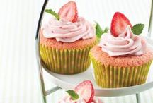 Cupcakes / Whether it's for birthdays, tea time, snacks, or lunch, bake up delicious treats with these cupcake recipes.