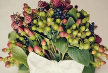 Wedding Flowers / What's a wedding without gorgeous blooms and greenery?  / by Bella Puzzles