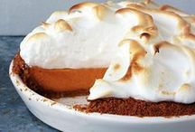 Thanksgiving Desserts / Beautiful Thanksgiving desserts from perfect pies and beautiful tarts to gorgeous layer cakes