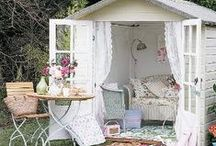 Outdoor Decor / Inspiration for decorating the outdoors.
