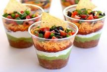Party Food / Foods you'd love to eat at a party.