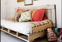 Decorating with a Day Bed / Love day beds for their versatility. Here are some examples of how to decorate with a day bed, or even make your own day bed!