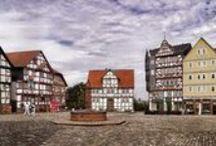 Mittelhessen/Germany / Besuche in Büdingen, auf der Ronneburg, an der ehemaligen Rennstrecke um Bad Homburg, Butzbach, in Schloss Büdingen, Wetzlar, Alsfeld,