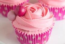 Cupcakes / by Dessert & Wedding Darling