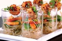 Verrines / Cute mini meals in tiny glasses verrines are a fun and chic way to serve a crowd!