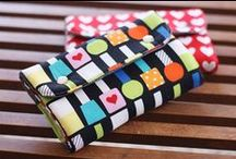 Things to do - Bags and Pouches / by Camila Mayumi