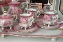 Tea pots & tea cups / by Deni Fender