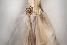 VINTAGE WEDDING AND PROM DRESSESD / Our collection of retro and vintage inspired wedding dresses