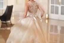 Wedding Dresses / by Brittany Jones