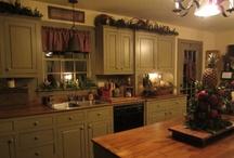 Primitive/Colonial Kitchens / by Connie Batten
