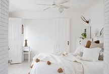 Bedrooms White - Cool and restful / Bedrooms with white decor, classic to contemporary but always white!