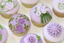 Cupcakes! / by Darla Niekro