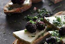 queso, pan y vino / by Cristina Labad Aldai