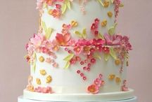 Fabulous Wedding Cakes / by Chelsea *Sparks* Weiss