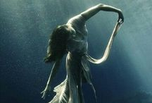 Underwater Love / Underwater. Photography. Graceful. Silence.