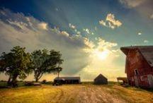 Nebraska Skies / Nebraska sunsets are hard to beat. The sky radiates with colors unimaginable.
