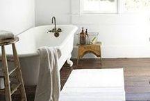 B A T H E. / bathe and wash.