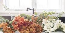 Fall Decor Ideas / Cozy ways to enjoy the Fall season - Halloween and Thanksgiving inspiration. Fall décor ideas for the porch, mantel and dinner table!