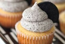 Cupcakes / by Bree Young