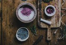 food / by Liz De Glopper