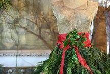 HOLIDAY | Christmas / holiday wreaths, table settings, tablescapes, fashion and decor