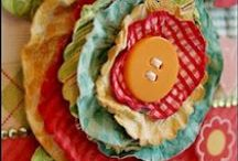 Papercrafts / paper crafts, banners and scrapbooking / by Madre Wick