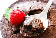 Chocolate Fudge Cake Recipes / Let's face it, a nice creamy chocolate cake does a lot for a lot of people; it does for me. -Audrey Hepburn.