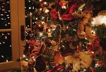 "I love christmas ಌಌ / Christmas is love in action. Every time we love, every time we give, it's Christmas."" (Dale Evans)"