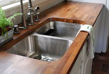 Kitchen countertops / by Abby Lydon