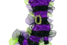 Mesh Wreaths / A deco mesh wreath is a fun and whimsical way to decorate for the different seasons.