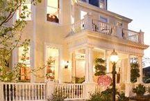 Dreamy Homes / by Debbie Howard
