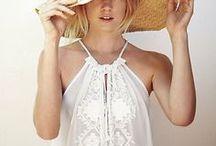 Dress Me / by Marie Bilthouse