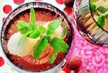 cheers! ~ A Cocktail A Day ~ / Das Leben ist zu kurz für Wasser! Um die Lebenslust zu zelebrieren kommen Cocktails gerade recht. Hier sammle ich Inspiration zum Ausprobieren und teile auch meine selbst gemixten Drink mit dir.