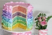 Easy Cake Decorating Ideas / These are some of our favorite designed cakes! Learn how to easily pipe, top and decorate a delicious cake!