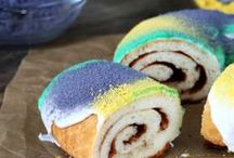 Mardi Gras King Cake / Delicious and beautiful King Cakes - the perfect Mardi Gras dessert!