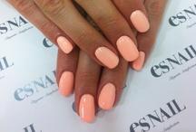 Nails :) / i love me some nail polish. teheheh