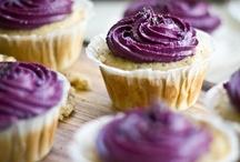 Cupcakes / by Sara Clark