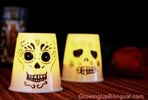 Dia de los Muertos Day of the Dead Crafts and DIY / Find great DIY and craft ideas for Day of the Dead / Dia de los Muertos. Encuentra ideas para manualidades para el Dia de los Muertos / Day of the Dead.