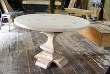 House: Round Dining Table / Beautiful pedestal tables!