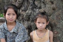 メコン川の船旅で少数民族の村へ / ラオス