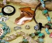 Upcycled and Recycled Jewelry / cool DIY ideas using recycled products, and awesome inspiration for upcycled jewelry!