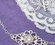 Wedding Jewelry / No bridal look is complete without the perfect jewelry. Find inspiration for your wedding jewelry here.