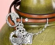 Leather Jewelry / Leather jewelry is a simple and stylish way to accessorize any look. Take a look at these fabulous examples of leather jewelry and start creating your own!