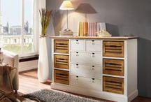 myHobu - Möbel aus unserer eigenen Produktion / Die Möbel aus unserer eigenen Produktion versprechen Qualität, hochwertige und sorgfältige Verarbeitung. In unserem Onlinesortiment finden Sie ein breites Spektrum an robusten und qualitativ hochwertigen Möbel für Esszimmer, Schlafzimmer oder Wohnzimmer. Die Möbel aus unserer eigenen Produktion bestehen aus natürlichen und umweltfreundlichen Werkstoffen. Das Holz dafür kommt aus gesicherten Beständen.