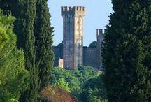 Italia / Este tablero incluye fotografías de lugares bellos para ir en Italia. Si desea visitar Italia y aprender italiano visitanos en: www.intercoined.net